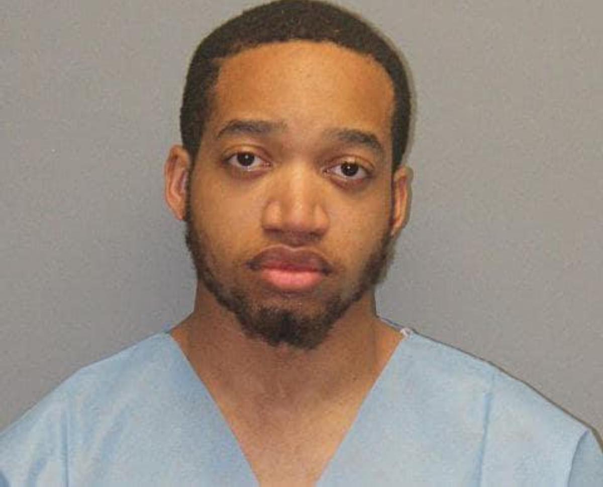 Tahj Hutchinson confesó haber matado a su esposa durante una pelea.
