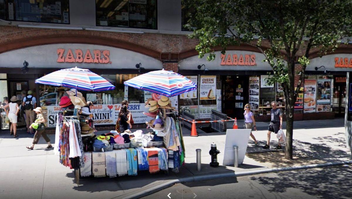 """""""Antes ganaba más dinero, pero no me divertía tanto"""": el cuchillero más legendario de Nueva York volvió al trabajo tras un año de confinamiento"""
