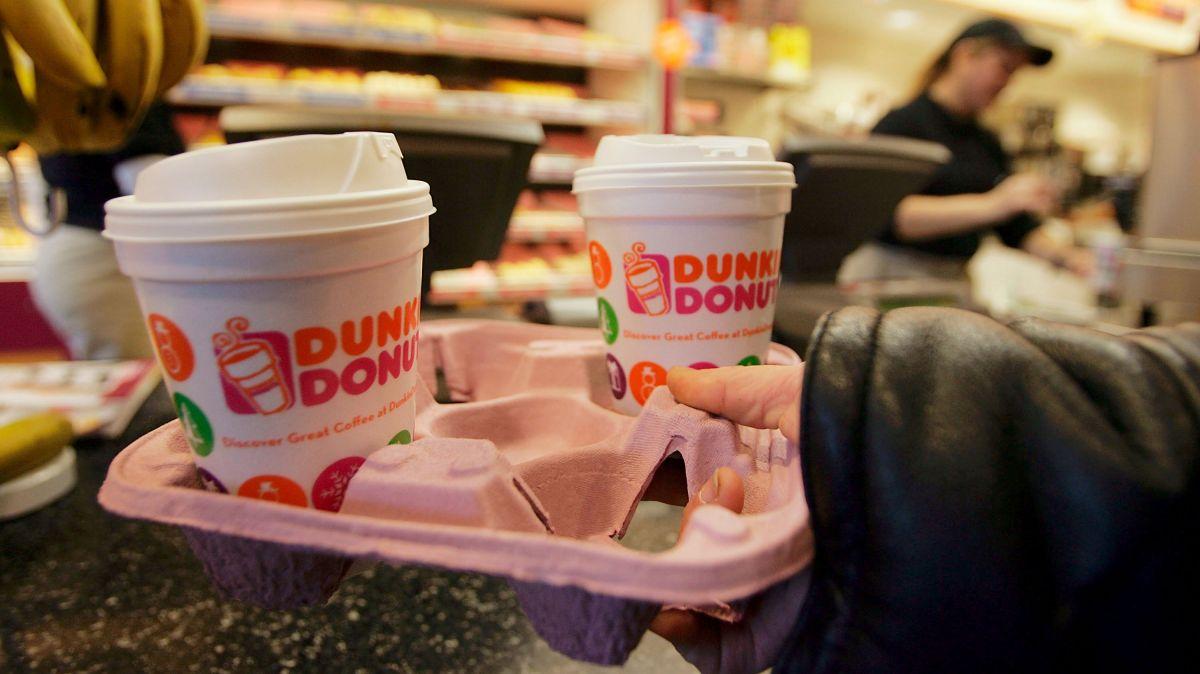 Dunkin' Donuts regala café a trabajadores del sector salud en el Día Nacional de las Enfermeras