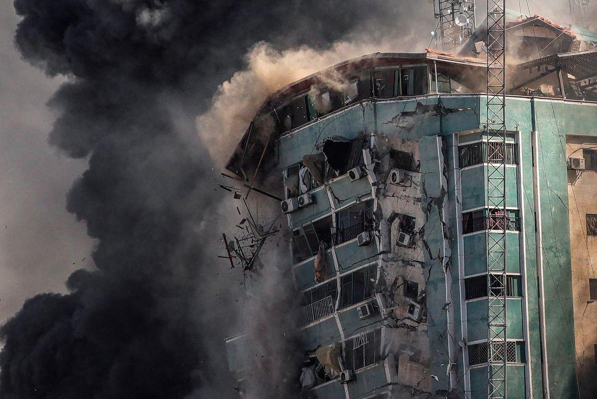 EN VIDEO: Israel bombardea sede en Gaza de agencia de noticias Associated Press