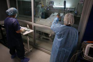 Enfermera gana la lotería y toma radical decisión tras más de un año arduo de trabajo por la pandemia