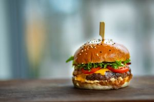 """Las hamburguesas que han """"ayudado"""" a 31 mujeres a dar a luz"""