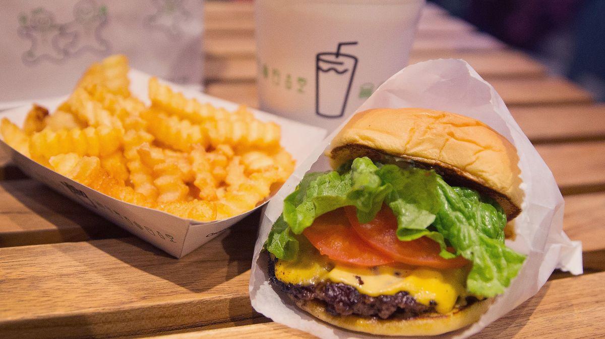 Shake Shack regala hamburguesas a neoyorkinos que se pongan la vacuna
