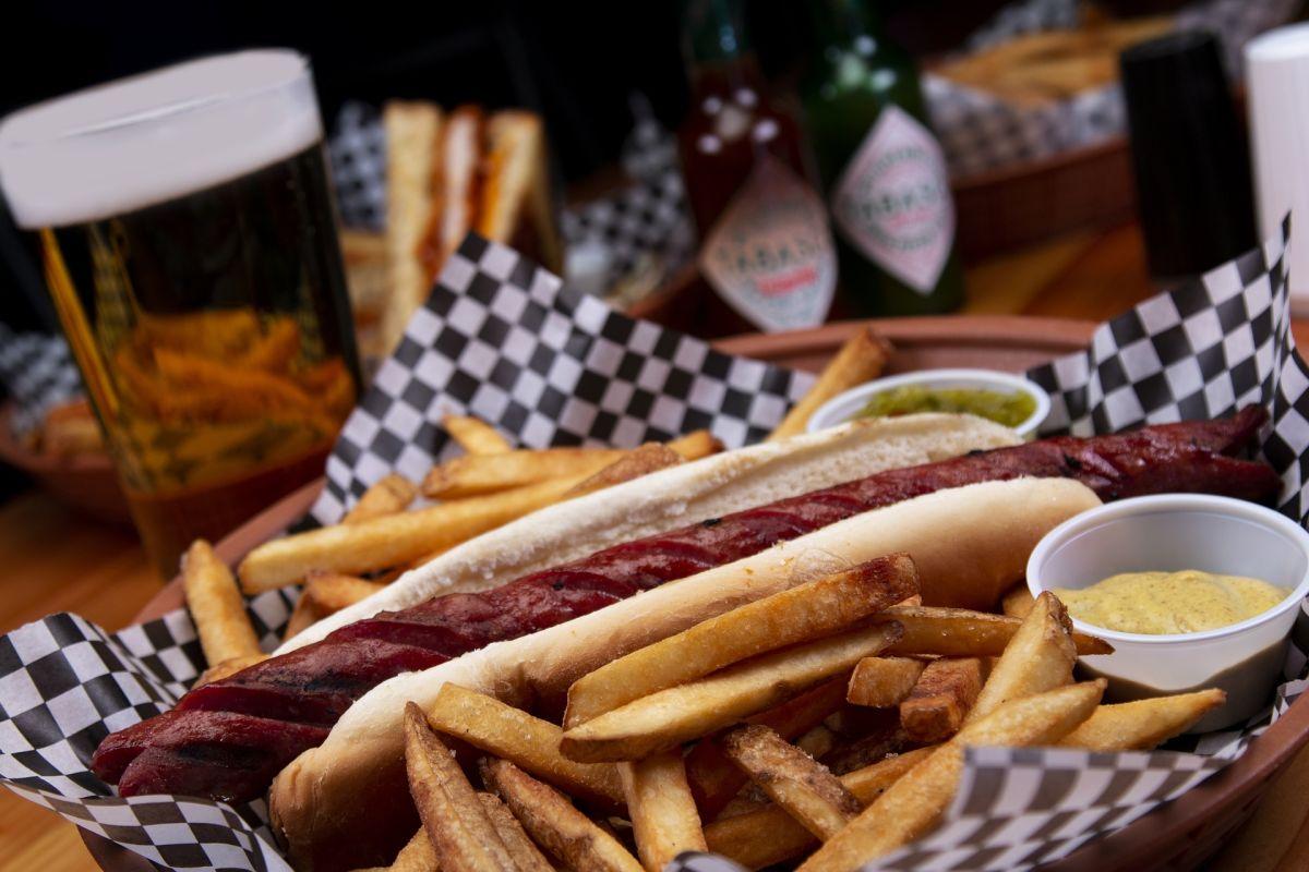 Los alimentos calóricos, ricos en grasas saturadas, sodio y azúcares, son altamente inflamatorios y deterioran la salud física, mental y sexual en la población masculina.