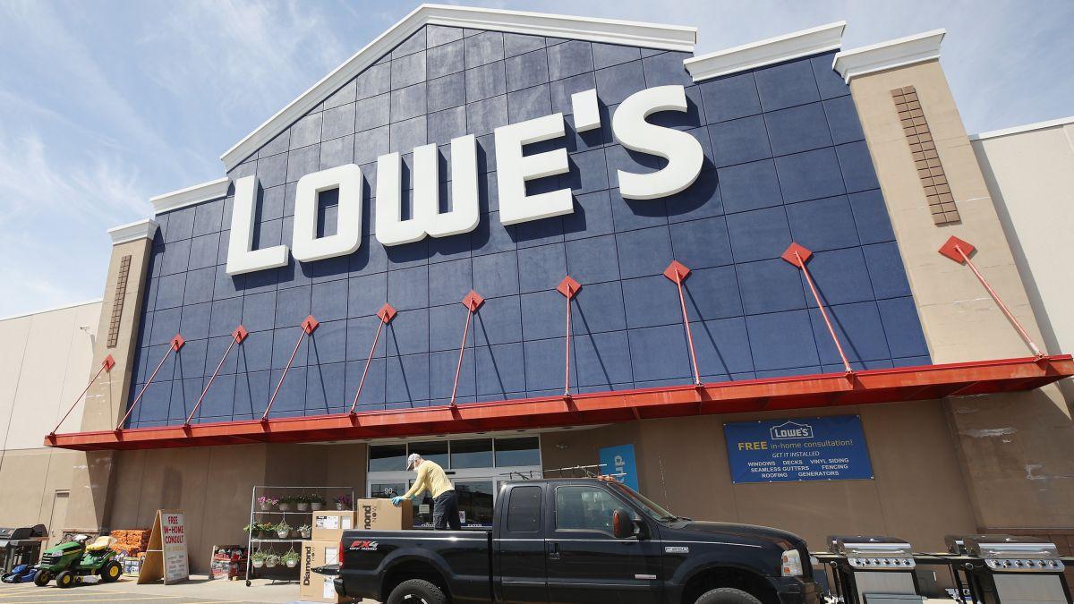 Lowe's organiza un 'Día Nacional de Contratación' para contratar a 50,000 nuevos trabajadores