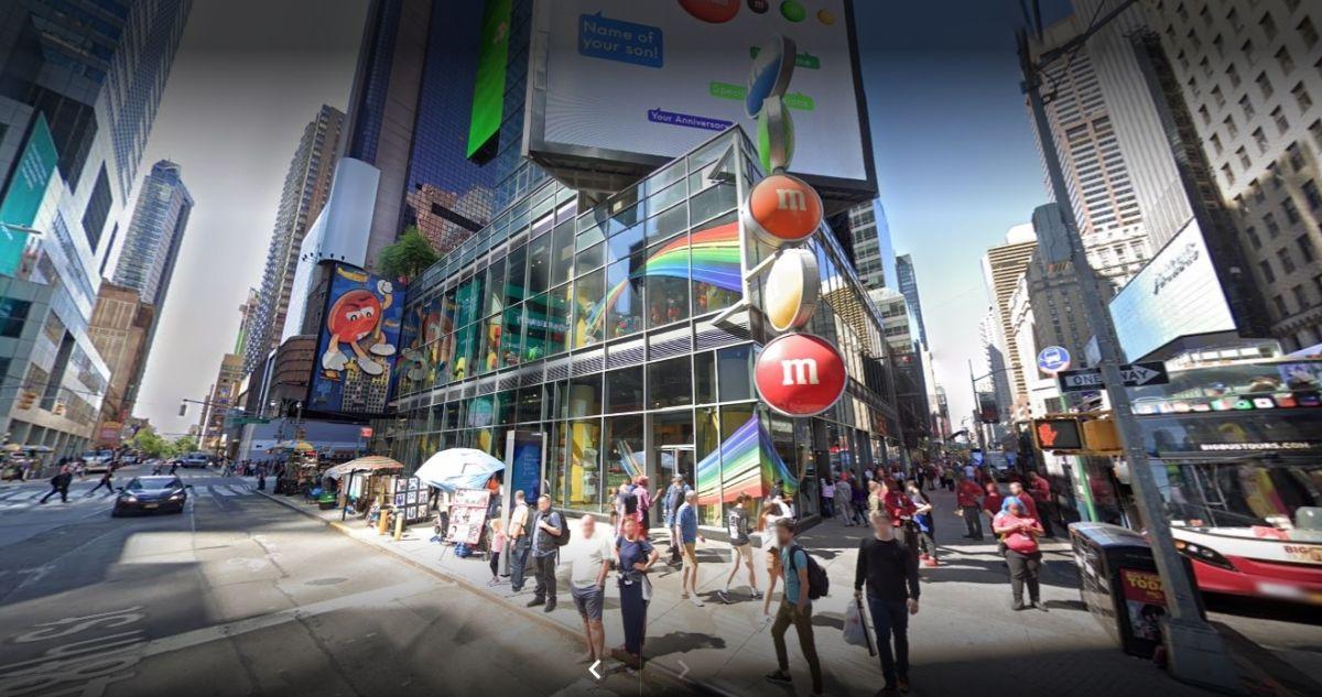NYPD no ha proporcionado imágenes del autor del robo a la tienda de M&M   Crédito: Google Maps