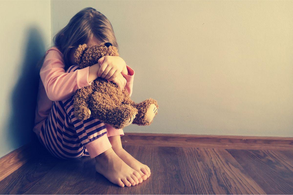 Estudio de Harvard asegura que aún castigos físicos leves cambian negativamente el cerebro de los niños