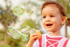 Síndrome del niño burbuja: cómo viven quienes nacen sin sistema inmunitario