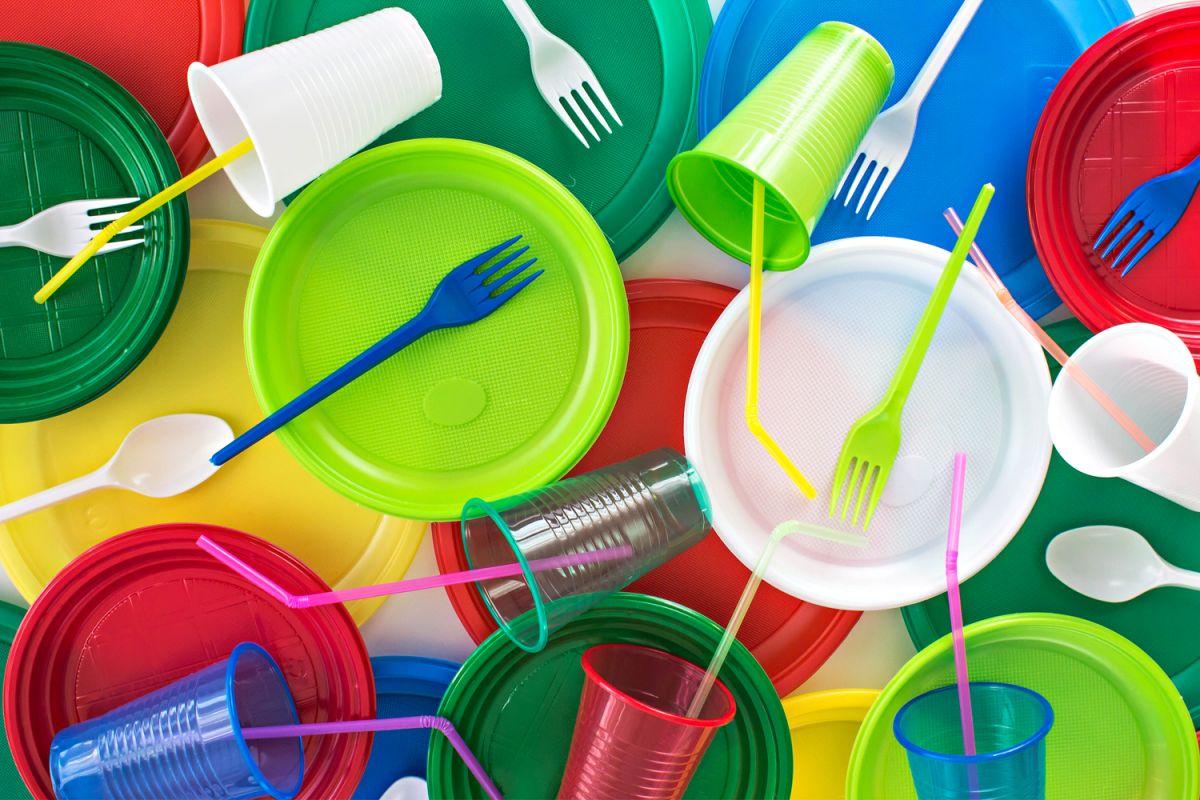 """Cuáles son los habituales plásticos que podrían causar """"daño cerebral"""""""