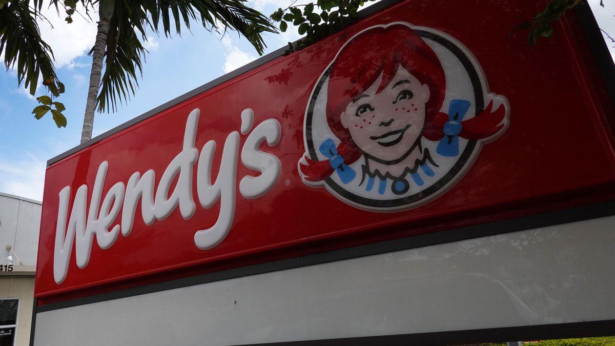 Los cocineros en Wendy's cobran solo $8.30/hora en promedio y reportan no tener vacaciones pagadas