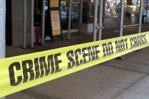 Acusan a hispano borracho por trifulca que causó muerte de policía retirado en pizzería de Brooklyn