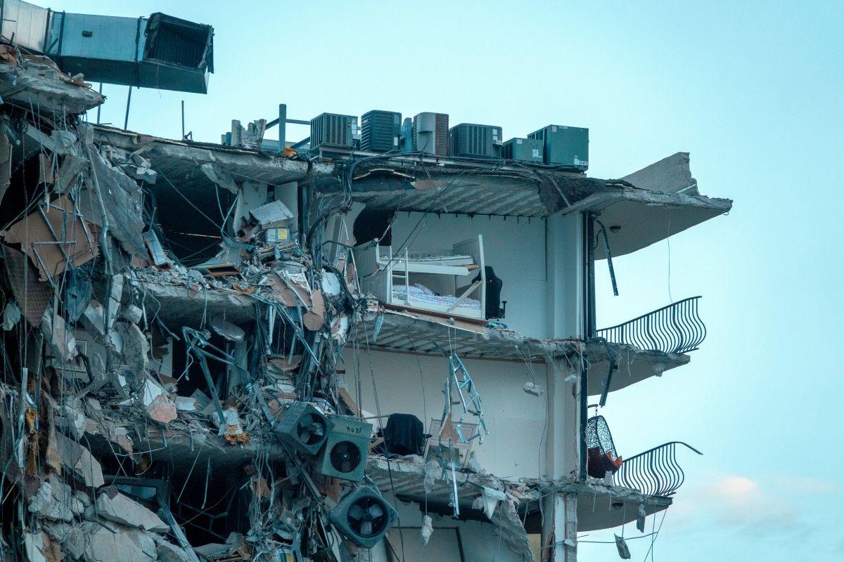 Un muerto y varios heridos por colapso de edificio residencial en Miami Beach; habrían más víctimas entre los escombros