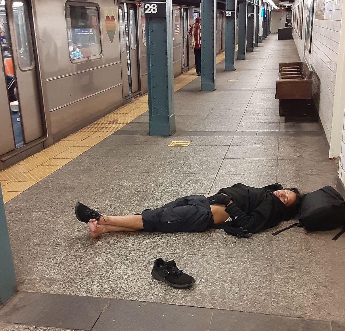 Metro de NYC, reflejo del deterioro de la ciudad.