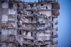Aumenta a 99 el número de desaparecidos tras derrumbe de edificio en Miami
