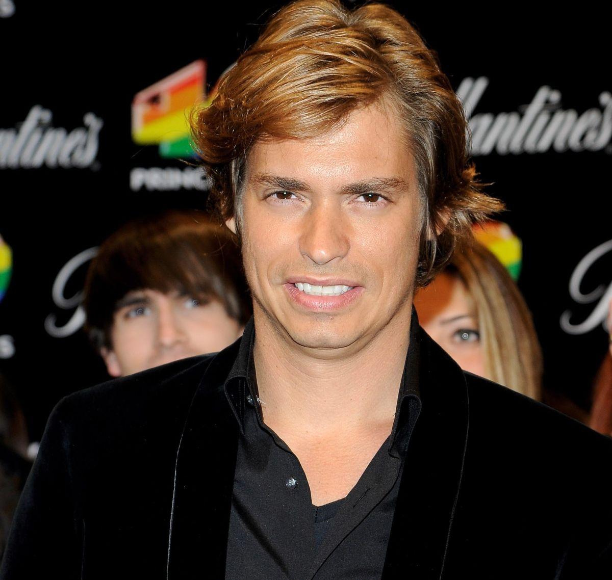 El cantante Carlos Baute y su hijo que tuvo en la adolescencia ya están juntos y limaron sus asperezas