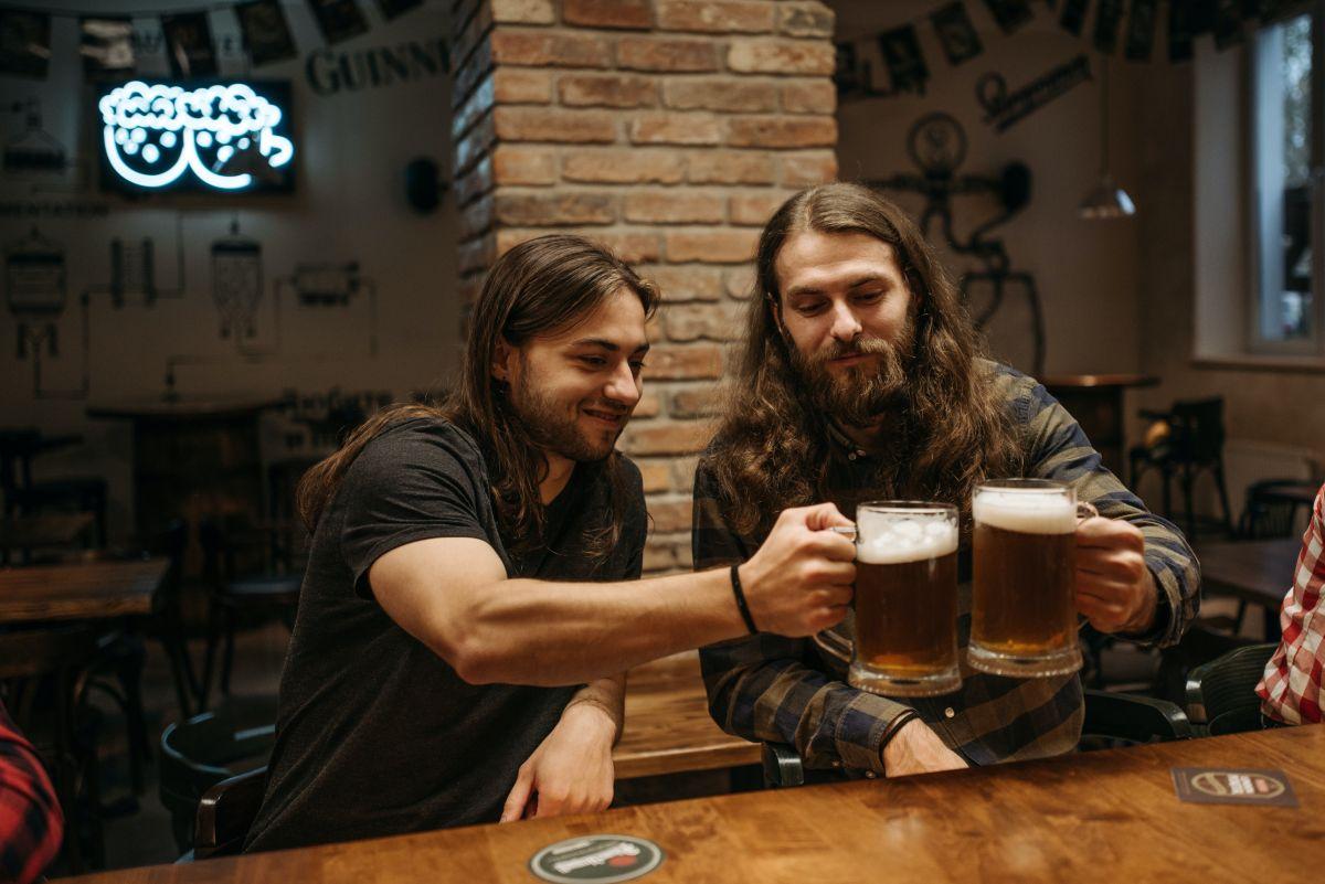 Obesidad y cirrosis hepática: hombres que beben mucha cerveza, en riesgo