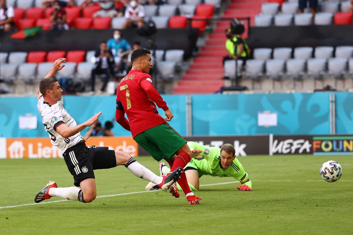 Video: Cristiano Ronaldo corrió como un atleta olímpico y definió como un '9' ante Alemania