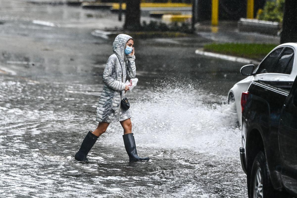 Tormenta tropical Claudette deja 12 muertos en EE.UU., incluidos nueve niños