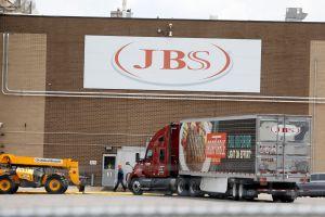FBI atribuye a grupo ruso REvil el ciberataque contra la empresa de carnes JBS que paralizó sus actividades en EE.UU.