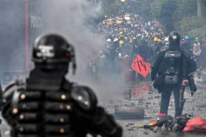 El presidente de Colombia admitió abusos de autoridad en las protestas que han dejado 59 muertos