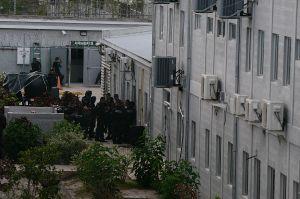 Pelea entre pandilleros de la MS-13 y Barrio 18 en cárcel de Honduras deja 5 muertos y 39 heridos