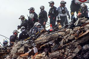 La cifra oficial de víctimas del derrumbe en Florida incrementó a 96