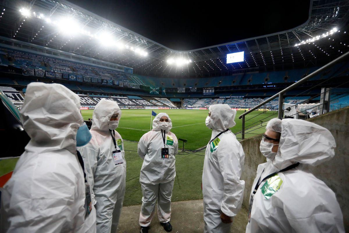 Personal de protocolo, miembros del cuerpo técnico y futbolistas han sido los principales afectados por la enfermedad.