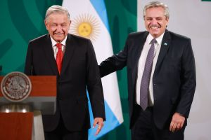 """""""Los mexicanos salieron de los indios"""": condena y memes contra el presidente de Argentina por polémico comentario"""