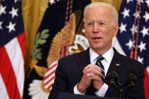 Biden logra acuerdo bipartidista para su nuevo plan económico de $1.2 billones