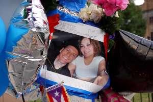 Joven que murió baleado tras desfile puertorriqueño en Chicago se lanzó sobre su pareja para tratar de salvarla