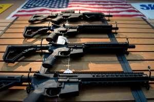 Administración Biden crea equipos especiales contra tráfico de armas para reducir ola de crímenes