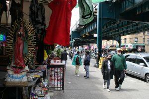 """Pocos mexicanos residenciados en NY podrán votar en """"megaelecciones"""" de su país pero aún así tienen influencia en el proceso"""