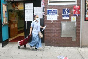 Aumenta el 'suspenso' y surge primera demanda por escrutinios de elecciones luego de error de la Junta Electoral de NYC