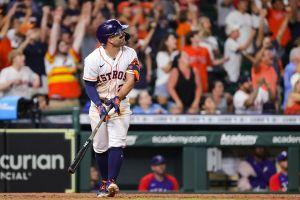 "Video: Altuve le regaló un jonrón ""walk-off"" de cumpleaños al manager de Houston Astros"
