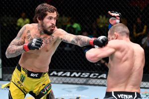 Poder ecuatoriano: Marlon Vera dio la pelea de la noche en UFC Las Vegas 29 y tomó revancha ante el inglés Davey Grant [Video]