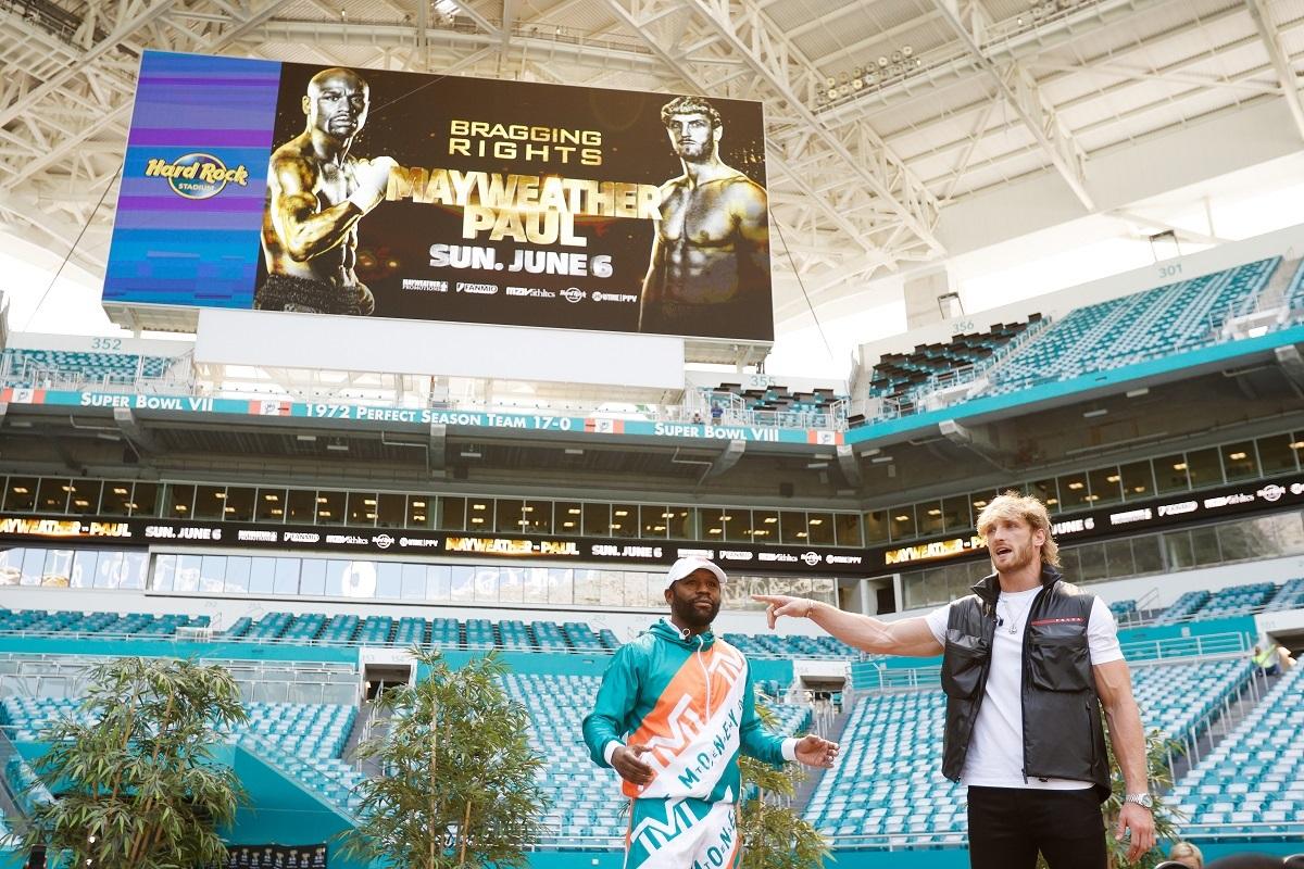 Mayweather y Paul en la presentación de la pelea.
