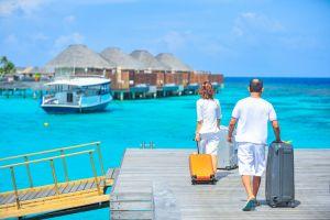 Airbnb invita a viajar gratis por el mundo a 12 personas con 3 acompañantes cada uno a cambio de compartir sus experiencias