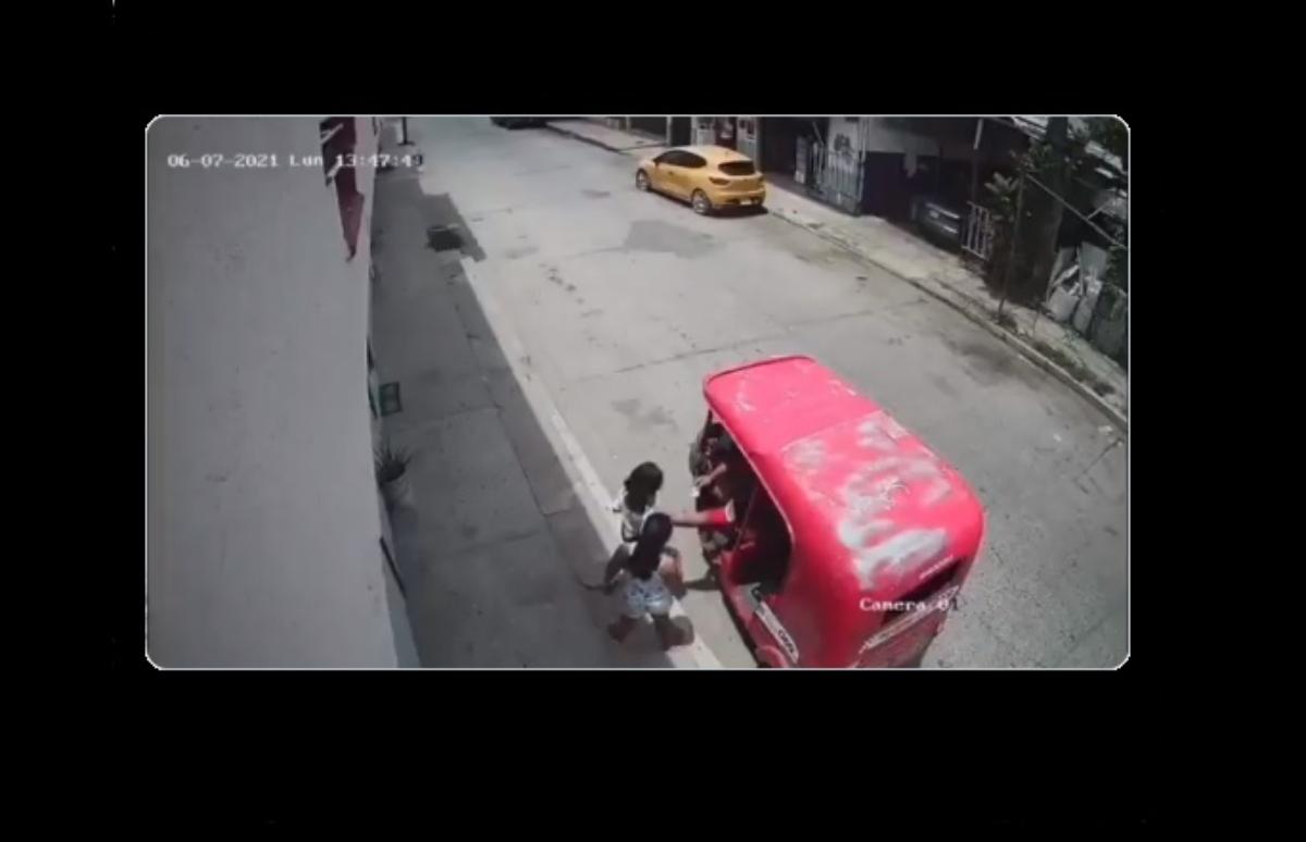 VIDEO: Captan a hombre toqueteando a dos niñas en Villahermosa, Tabasco
