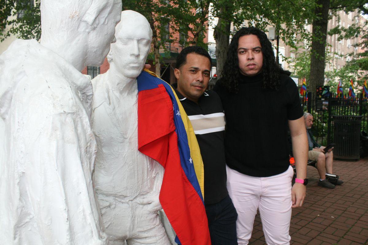 Activistas hispanos del colectivo gay en Nueva York tratan de visibilizar el drama de quienes emigran forzosamente para salvar sus vidas
