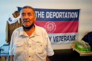 Sirvió al país, lo deportaron hace más de una década y ahora regresó con 77 años