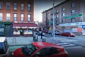 """Acusan a mujer por balear a su ex novia en bodega de Nueva York: """"terrible violencia sin sentido"""", denuncia el fiscal"""