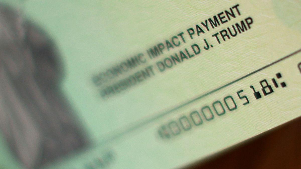 El 75% de la gente utilizó el primer cheque de estímulo para cubrir gastos domésticos.