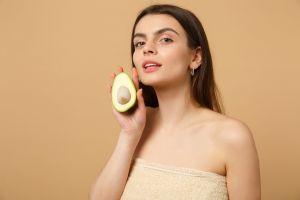 5 mascarillas de aguacate para el cabello: paso a paso para hacerlas en casa