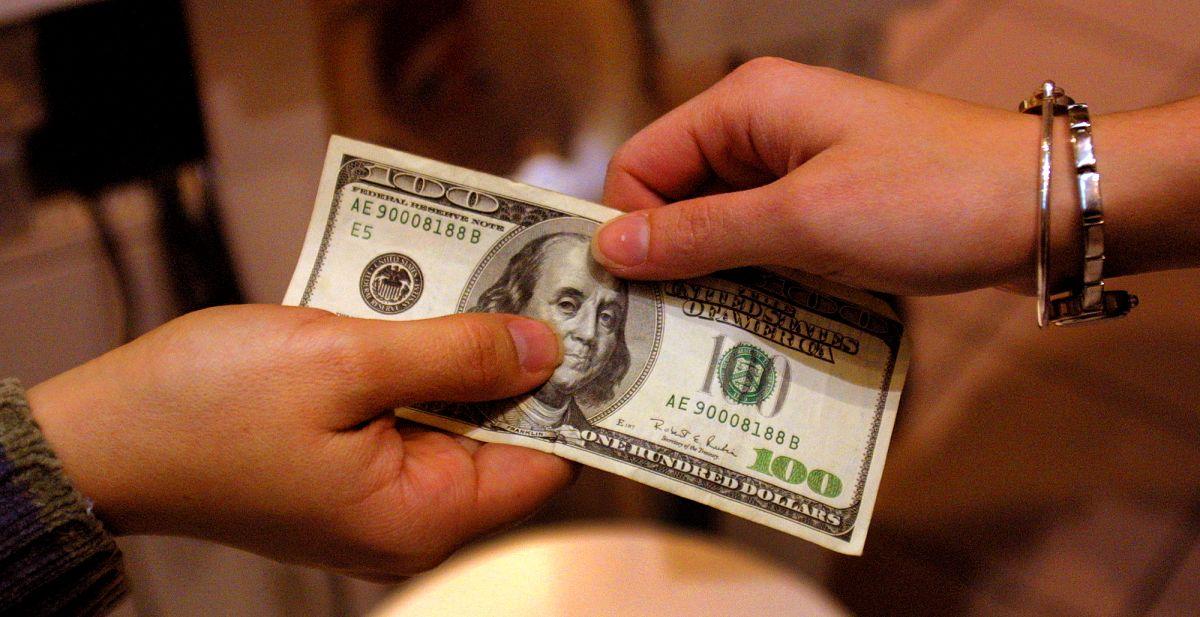 En años anteriores, por un hijo o dependiente se podían reclamar solo $3,000 dólares, y $6,000 por dos o más hijos o dependientes.