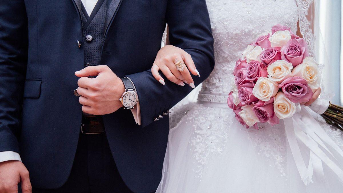 Impuestos: el IRS advierte cómo contraer matrimonio puede afectar tu declaración de impuestos