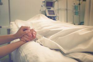¿Por qué algunos enfermos mejoran justo antes de morir?