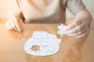 La FDA aprobó medicamento para tratar el Alzheimer pese a debate de su eficacia