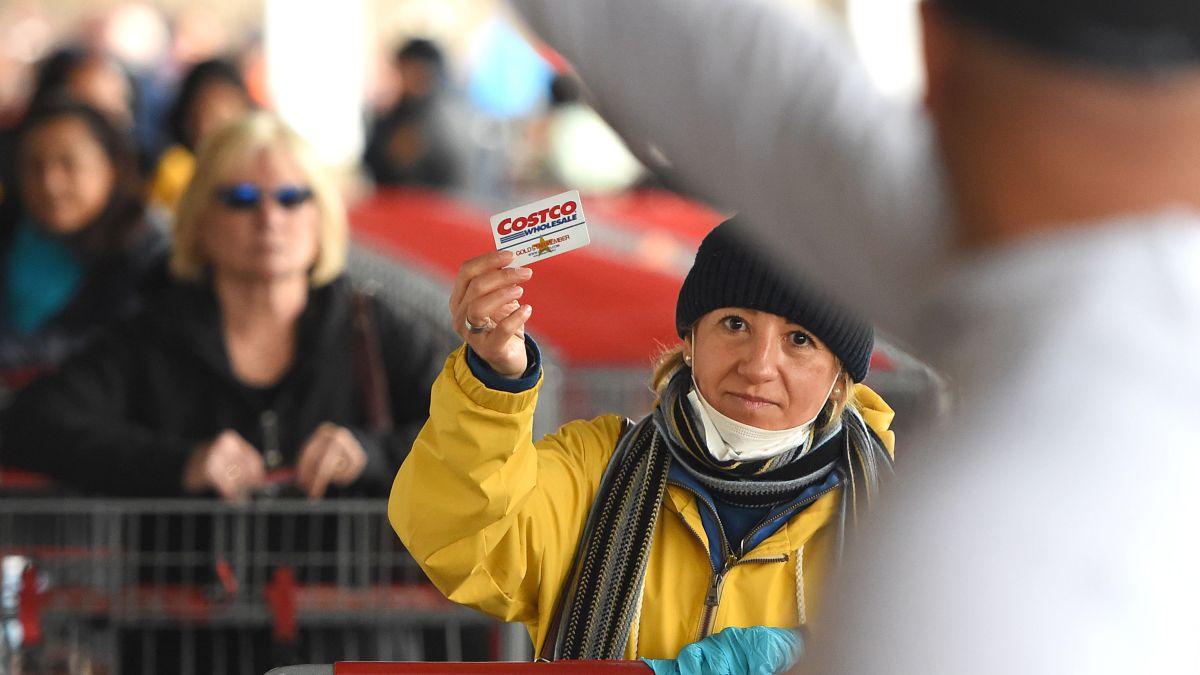Cómo comprar en Costco sin tener una tarjeta de miembro