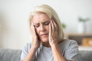 Niebla mental, el síntoma poco conocido de la menopausia que puede presentarse antes de tiempo