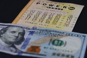 Salió de la cárcel, ganó $30 millones en la lotería y acabó en la ruina